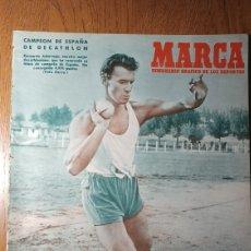 Coleccionismo deportivo: SEMANARIO MARCA N°568 1953. BERNARDO ADARRAGA CAMPEÓN DE ESPAÑA DE DECATHLON. SEVILLA 2 R.MADRID 1.. Lote 274866193