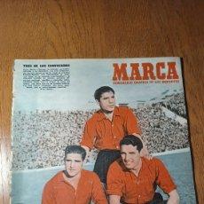 Coleccionismo deportivo: SEMANARIO MARCA N°570. LA FALANGE ANTE FRANCO , EN CHAMARTIN - AT.MADRID 3 R.MADRID 4.. Lote 274870143