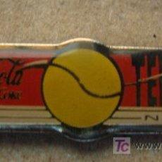 Coleccionismo deportivo: PIN DE COCA COLA - TENIS. TENNIS. PELOTA DE TENIS. . . Lote 11918589