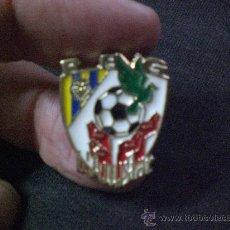 Coleccionismo deportivo: PIN PEÑA PENYA VILLAREAL L´AMISTAT. Lote 27522275