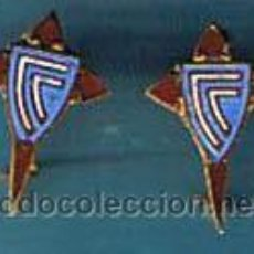 Coleccionismo deportivo: INSIGNIA DEPORTIVA ANTERIOR A 1970. CELTA DE VIGO. 2 INSIGNIAS.. Lote 218077886
