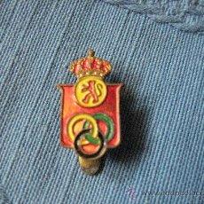 Coleccionismo deportivo: PIN 1950 FEDERACION ESPAÑOLA DE ATLETISMO, DE OJAL.. Lote 25198113