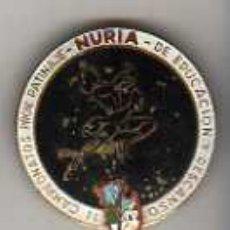 Coleccionismo deportivo: IMPORTANTE PIN MEDALLA II CAMPEONATOS PROV PATINAJE NURIA -EDUCACION Y DESCANSO -SOBREPUJADO. Lote 18703574
