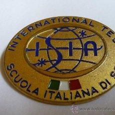 Coleccionismo deportivo: PIN DE AGUJA INTERNATIONAL TEST SKI - SCUOLA ITALIANA DI SCI - ITALIA (3,5 X 3 CMS). Lote 22445304