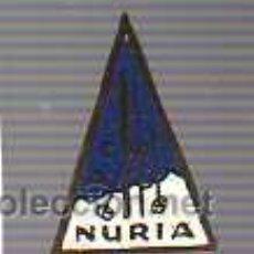 Coleccionismo deportivo: RARO PIN DE NURIA- - NIEVE ALTA MONTAÑA -ESQUI. Lote 25961373