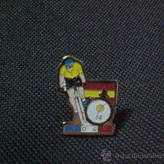 Coleccionismo deportivo: PIN PIN CICLISMO BICICLETA TOUR CONTRARELOJ 1992. Lote 27430889