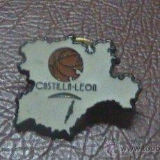 Coleccionismo deportivo: PIN BALONCESTO BASKET CASTILLA LEON. Lote 28210062