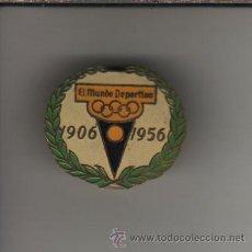 Coleccionismo deportivo: INSIGNIA PIN DE DEL CINCUENTENARIO MUNDO DEPORTIVO 1906 1956. Lote 28754842