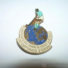 Coleccionismo deportivo: ANTIGUA INSIGNIA.....CAMPEONATO DE EUROPA DE HOCKEY.. Lote 29797640