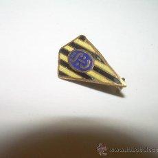 Coleccionismo deportivo: ANTIGUA INSIGNIA ESMALTADA.IBERIA SPORT CLUB ZARAGOZA.. Lote 32274441
