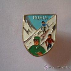 Coleccionismo deportivo: INSIGNIA ANTIGUA NURIA ESQUI MONTAÑA.. Lote 32644732