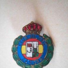 Coleccionismo deportivo: ANTIGUA INSIGNIA ESMALTADA CLUB DE TIRO ZAMORA. Lote 34614412