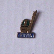 Coleccionismo deportivo: PIN DESCENSO RIA DE NAVIA. Lote 34970966