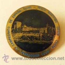 Coleccionismo deportivo: PLACA INSIGNIA PIN DE AGUJA 4º CAMPEONATO DE ESPAÑA CLUBS PESCA MARITIMA TARRAGONA 1988. Lote 36511681