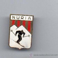 Coleccionismo deportivo: INSIGNIA ESQUI - NURIA - ANTIGUA. Lote 36933632