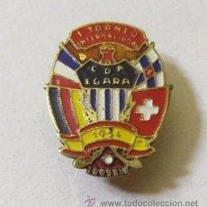 Coleccionismo deportivo: PIN INSIGNIA DEL I TORNEO INTERNACIONAL HOCKEY EGARA CDA - FRANCIA ESPAÑA SUIZA ALEMANIA 1954 . Lote 40792565