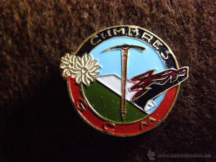 Coleccionismo deportivo: Muy antigua insignia - Grupo Castellano de Montaña Cumbres - SUJECCIÓN CON IMPERDIBLE - PIN - ski - - Foto 3 - 40978971
