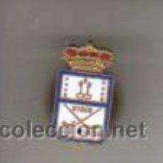Coleccionismo deportivo: INSIGNIA - PIN ESMALTADO - KIBER CLUB PATIN - HOCKEY. Lote 42397203