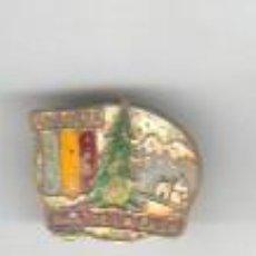 Coleccionismo deportivo: PIN INSIGNIA ALTA MONTAÑA - PAS DE LA CASA ANDORRA - EXCURSIONISMO ESCALADA NIEVE - -ESQUI. Lote 43575941