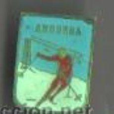 Coleccionismo deportivo: INTERESANTE PIN INSIGNIA DE ESQUI ALTA MONTAÑA - ANDORRA. Lote 45599786