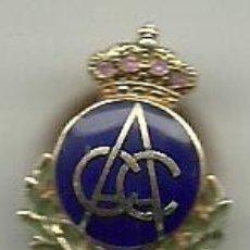 Coleccionismo deportivo: (F-037)INSIGNIA DE ORO ( 4 GRAMOS) DE SOLAPA DE CLUB AUTOMOVIL DE CATALUNYA. Lote 47655809