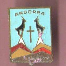 Coleccionismo deportivo: VIEJO PIN INSIGNIA DE AGUJA - ANDORRA AÑOS 50 60 APROXMTE - NIEVE ESQUI ALPINO - . Lote 47921670