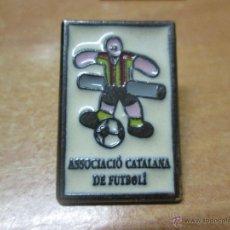 Coleccionismo deportivo: PIN ASSOCIACIÓ CATALANA FUTBOLIN ASOCIACION. Lote 48630082