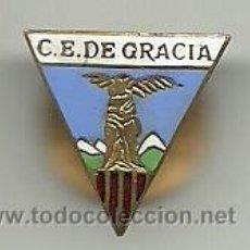 Coleccionismo deportivo: (P-376)ANTIGUA INSIGNIA DE SOLAPA ESMALTADA,CLUB EXCURSIONISTA DE GRACIA. Lote 51787021