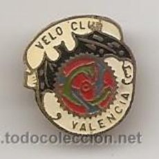 Coleccionismo deportivo: CICLISMO. VELO CLUB VALENCIA. INSIGNIA ANTIGUA DE OJAL. Lote 52641574
