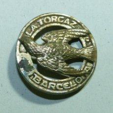 Coleccionismo deportivo: ANTIGUO PIN DE LA SOCIEDAD DE CAZADORES LA TORCAZ DE BARCELONA. Lote 53068086