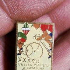 Coleccionismo deportivo: CICLISMO XXXVII VUELTA CICLISTA CATALUÑA XVI GRAN PREMIO PIRELLI 1957 - INSIGNIA SOLAPERA. Lote 53272713