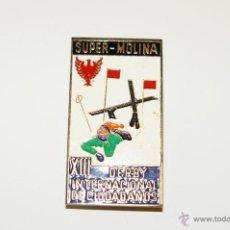 Coleccionismo deportivo: III DERBY INTERNACIONAL DE CIUDADANOS. SUPER-MOLINA.LA MOLINA. ESQUI. INSIGNIA DE AGUJA. Lote 53858107
