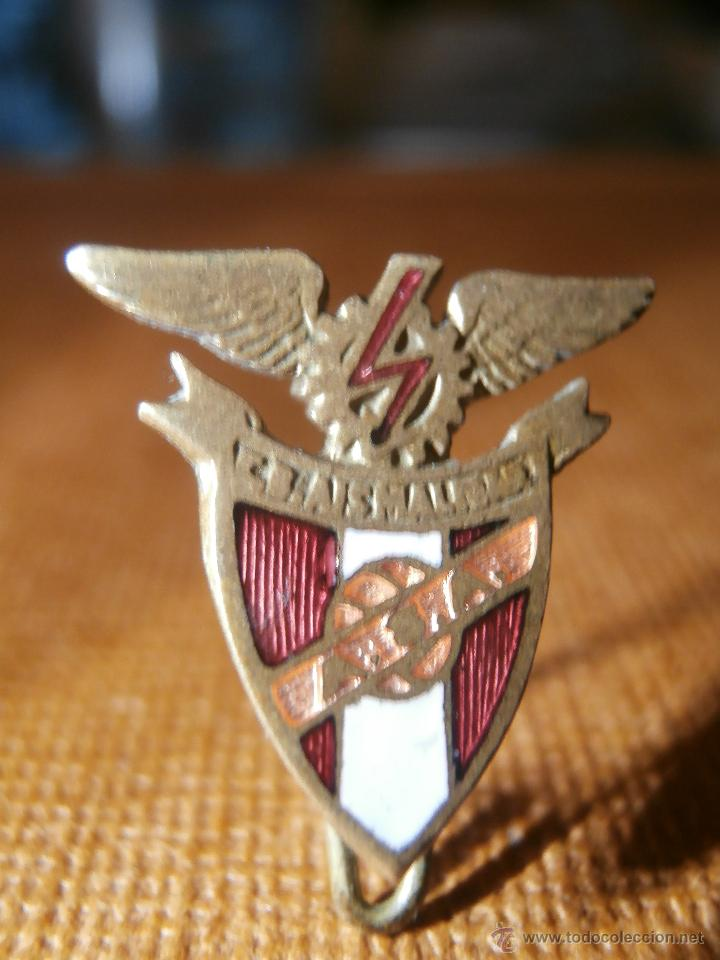 ESCASÍSIMA INSIGNIA CLUB BALONCESTO AISMALIBAR - AÑOS 50 - C.B. AISMALBAR - EQUIPO ESPAÑOL MONTCADA (Coleccionismo Deportivo - Pins otros Deportes)