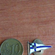 Coleccionismo deportivo: INSIGNIA ANTIGUO PIN OJAL REAL CLUB NAUTICO. Lote 56612125