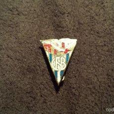Coleccionismo deportivo: PIN ESCUDO CLUB NATACION BARCELONA (EQUIPO NATACION CATALUÑA INSIGNIA ESMALTADA IMPERDIBLE ). Lote 58503906