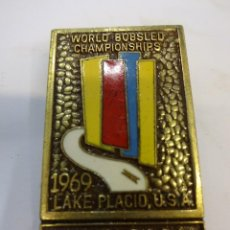 Coleccionismo deportivo: LAKE PLACID. USA. WORLD BOBSLED CHAMPIONSHIPS 1969. CHAPA DE AGUJA ORIGINAL. OFFICIAL. Lote 83499156