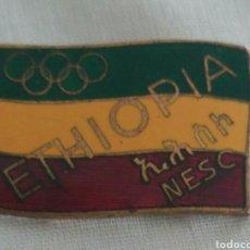 Coleccionismo deportivo: HISTÓRICO PIN OLIMPÍADAS 1960 DE ETIOPÍA EN ROMA 1 MEDALLA OLÍMPICA ÁFRICA DE ABEBE BIKILA. DESCALSO. Lote 91885640