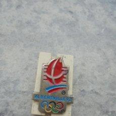 Coleccionismo deportivo: PIN DE LAS OLIMPIADAS DE INVIERNO DE 1992 EN ALBERTVILLE DE LOS AÑOS 90 . Lote 92750120