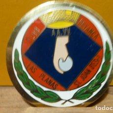 Coleccionismo deportivo: INSIGNIA CLUB PETANCA LAS PLANAS ST.JOAN DESPI. Lote 97012851