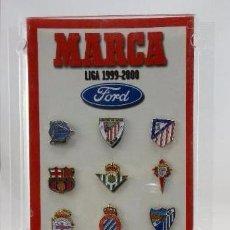 Coleccionismo deportivo: COLECCION COMPLETA PINS ESCUDOS EQUIPOS PRIMERA DIVISIÓN LIGA TEMPORADA 1999 2000 99 00. MARCA. Lote 24169096
