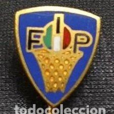Coleccionismo deportivo: INSIGNIA ESMALTADA ASOCIACION ITALIANA DE BALONCESTO . ITALIA .. Lote 105925859