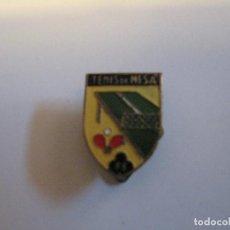 Coleccionismo deportivo: ANTIGUO PIN TENIS DE MESA, PIN PON, POSIBLEMENTE FEDERACION.. Lote 111522123