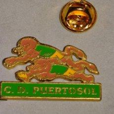 Coleccionismo deportivo: PIN DE DEPORTES. BALONMANO. CLUB DEPORTIVO PUERTOSOL, MÁLAGA. Lote 111633931