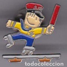 Coleccionismo deportivo: FERROVIARIO - PIN COLOR DE COBI DE LAS OLIMPIADAS DE BARCELONA 92 -TREN-. Lote 115918867