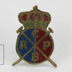 Coleccionismo deportivo: ANTIGUA INSIGNIA DE AGUJA - REAL CLUB POLO BARCELONA - MEDIDAS 1 X 1,5 CM. Lote 117271135