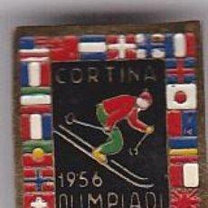 Coleccionismo deportivo: INSIGNIA AGUJA SKI OLIMPIADA 1956 CORTINA . Lote 118337203