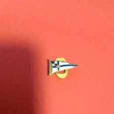 Coleccionismo deportivo: INSIGNIA ANTIGUO PIN OJAL REAL CLUB NAUTICO AÑOS 50-60. Lote 120152330