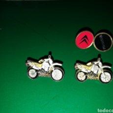 Coleccionismo deportivo: LOTE DE 4 PINS DE MOTOS, CITROEN Y MAZDA. Lote 127751574