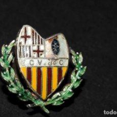 Coleccionismo deportivo: PRECIOSA INSIGNIA DEPORTIVA DE SOLAPA ESMALTADA. Lote 129618359