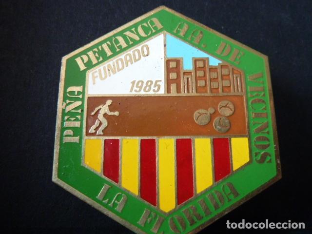 PEÑA PTANCA A.DE VECINOS LA FLORIDA -INSIGNIA DE AGUJA - (Coleccionismo Deportivo - Pins otros Deportes)